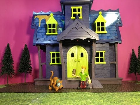 SCOOBY DOO Mystery Mansion a Spooky Scooby Doo Haunted House Toys Video