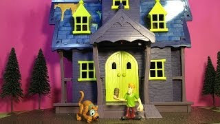 SCOOBY DOO Mystery Mansion a Spooky Scooby Doo Haunted House Toy