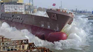 Wodowanie Wielkich Statków ( Ship Launching )