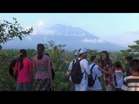 Volcano eruption fears spark evacuation on island of Bali