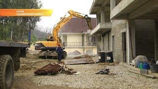 В Сочи приступили к сносу еще двух незаконно построенных дом. Новости Эфкате