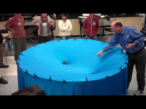 Смотреть Визуализация гравитации онлайн