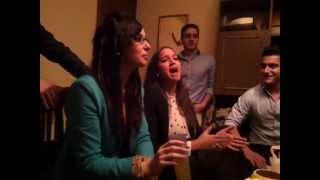 Maria Garcia cantando sevillana
