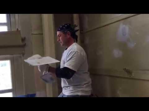 "Johnny Potenza ""The Master Plasterer"" Demonstrates ways to plaster"