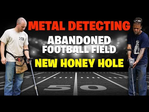 METAL DETECTING OLD ABANDONED FOOTBALL FIELD, OVER 20 SILVERS AND GOLD!