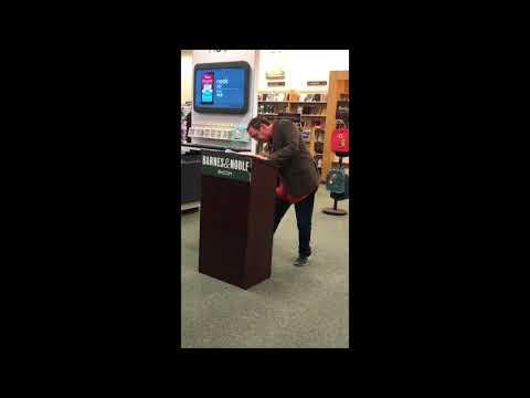 Barnes and Noble: Tyson's Corner