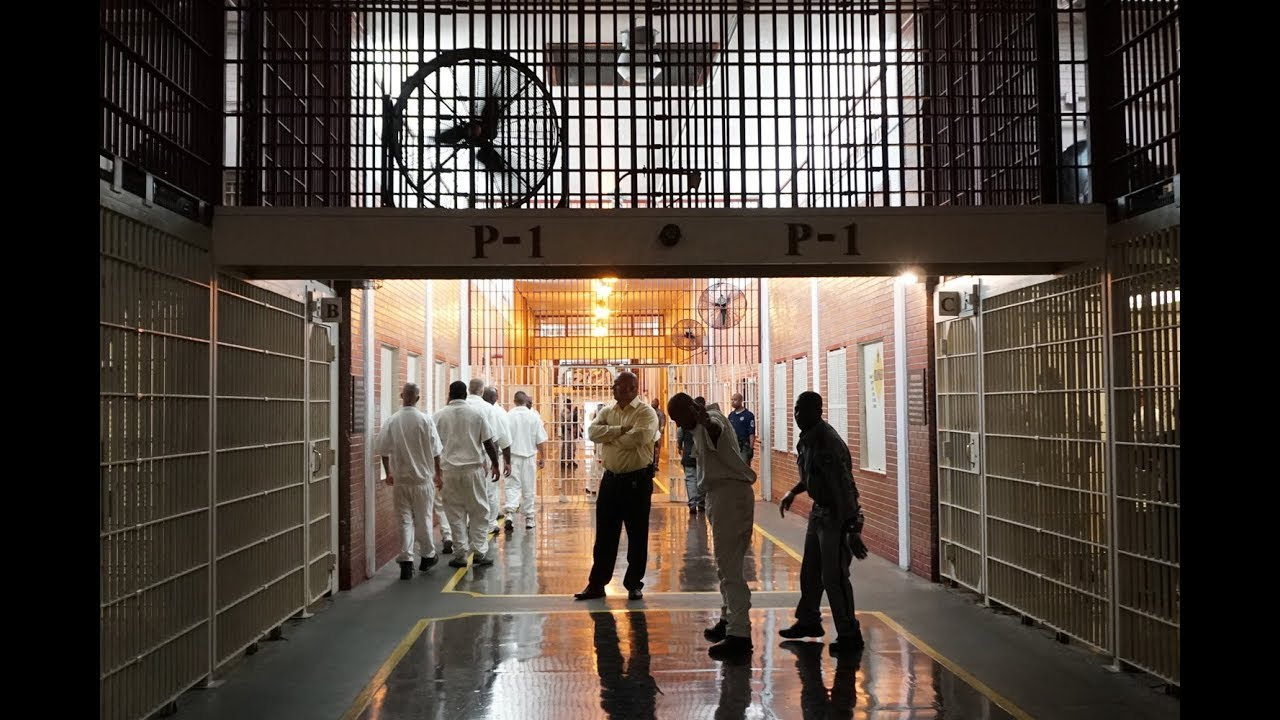 Texas plans to move 1,000 inmates to air-conditioned prison units