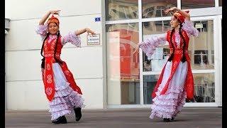 Kırgız öğrencilerden muhteşem gösteri - Şehit Mehmet Muratdağı Ortaokulu