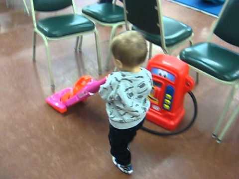 Toddler Time – Vacuum