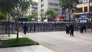 Antorcha Campesina: Bloquean granaderos del D.F. marcha de Antorchistas