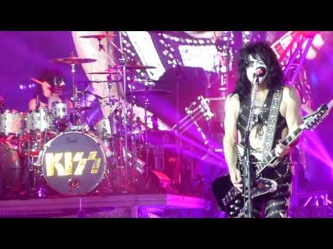 """Hide Your Heart"" Kiss@Susquehanna Bank Center Camden, NJ 8/3/14"