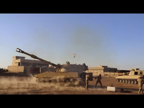 Iraqi army battle IS fighters on Mosul outskirts