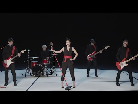Superbus - Strong & Beautiful (Clip officiel)
