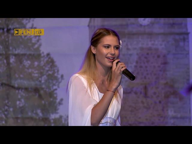 ИВА И ВЕЛИСЛАВА КОСТАДИНОВИ - Катерино моме (live) / IVA & VELISLAVA KOSTADINOVI -