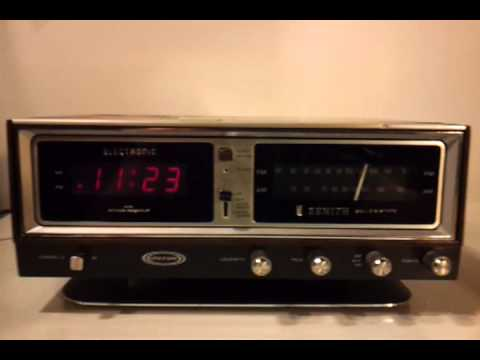 File:Vintage Zenith Clock Radio, Model C519, Broadcast ... |Zenith Clock Radio