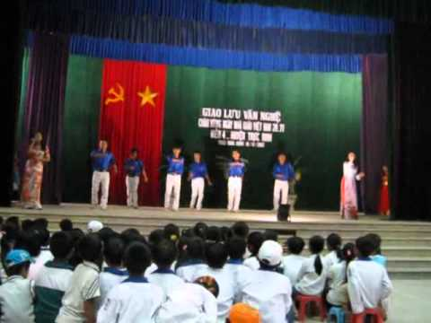Bài ca cô giáo trẻ- Múa miền 4 .flv