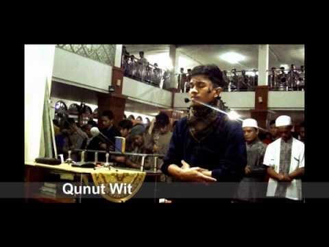 Emotional Qunut Witr by Muzammil Hasballah