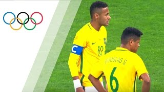 Neymar scores his first goal in Olympics 2016 with a free kick