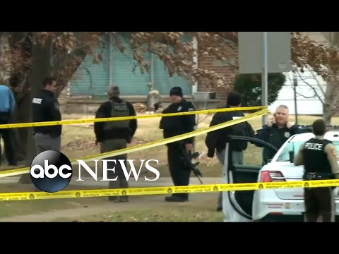 Download Youtube: Ohio police use battering ram to capture armed suspect
