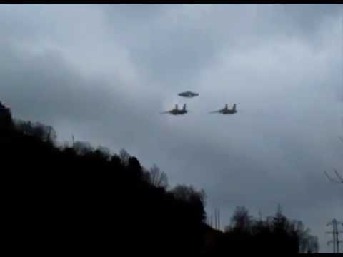 UFO escorted by Air Force Fighters