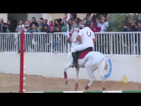 بعقلين جنوبي لبنان تسضيف عروضا للخيول العربية