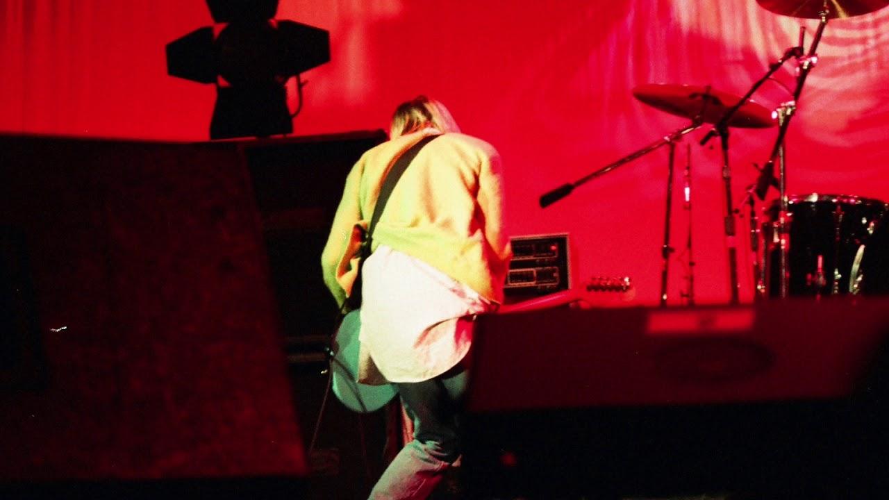 Download Nirvana - Live in Paris, France [Le Zénith] (2/14/94)