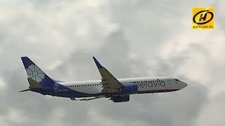 «Белавиа» презентовала новый Boeing с васильком(, 2016-08-15T18:32:13.000Z)