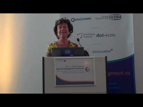 Neelie Kroes on european Spectrum Policy