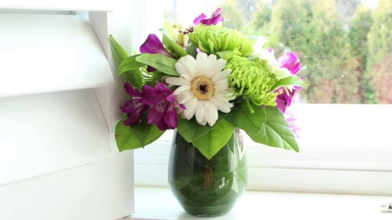 DIY small flower arrangement - YouTube