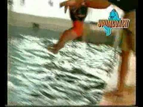 swimcoach-kinderschwimmhilfe---der-schwimmende-badeanzug