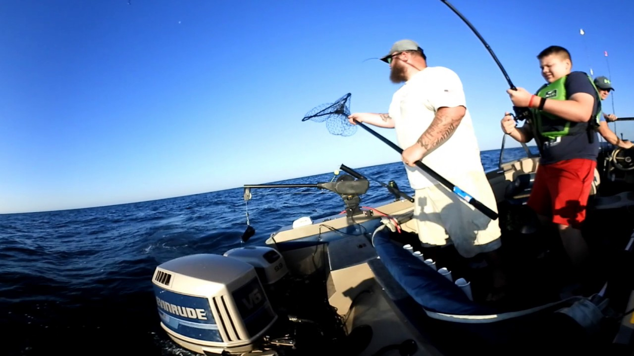 Salmon fishing 2017 on lake michigan in 360 vr youtube for Michigan fishing license cost 2017