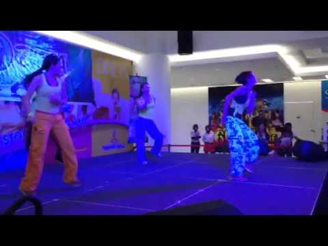 """Zumba """"Shake"""" by Zin Tracy (Malaysia)"""