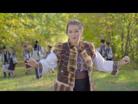 """Andreea Haisan și Orchestra """"Lăutarii"""" de la Chișinău - AZI E HORĂ-N SAT LA NOI"""