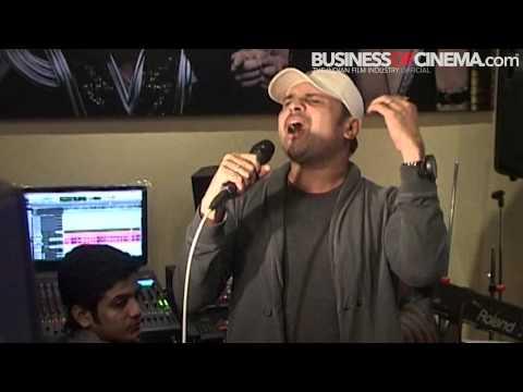 Himesh Reshammiya sings 'Aa Gaya Hai Dekho Bodyguard'!