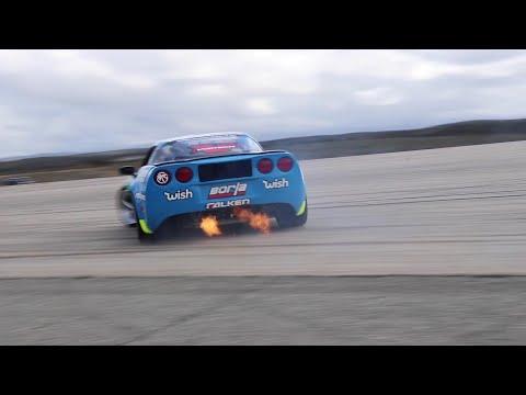 Matt Field drifting his drift vette