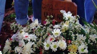 Pemakaman Ully Artha Secara Islam - Was Was 18 Juni 2013 Mp3