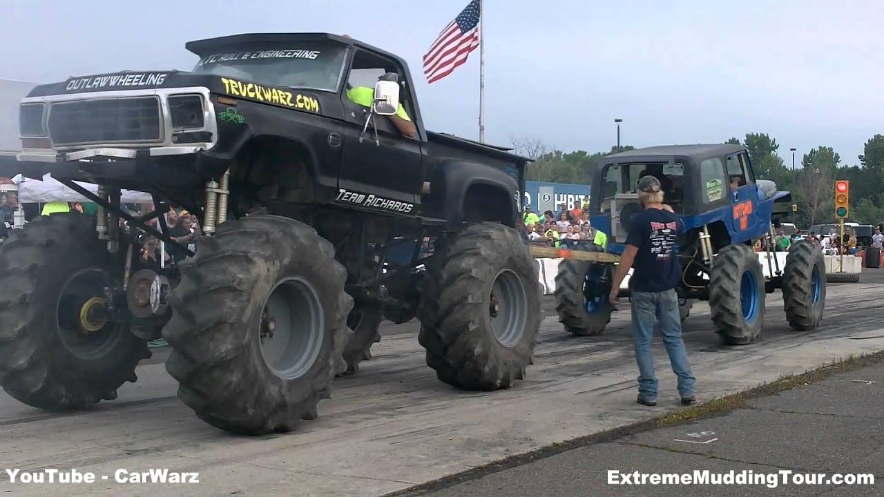 Big Ford Vs Big Jeep Tug War At Truck Warz View 2