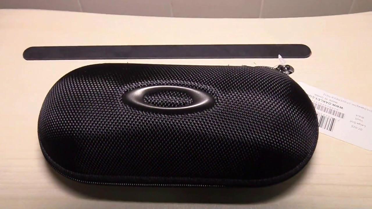 9ed0b6d3ad Oakley 07-025 Large Soft Vault Wrap Sunglasses Case - YouTube