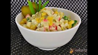 Крабовый салат без риса с маринованными огурцами