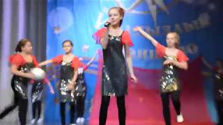 Співає Вікторія Юшкова (Сокура)