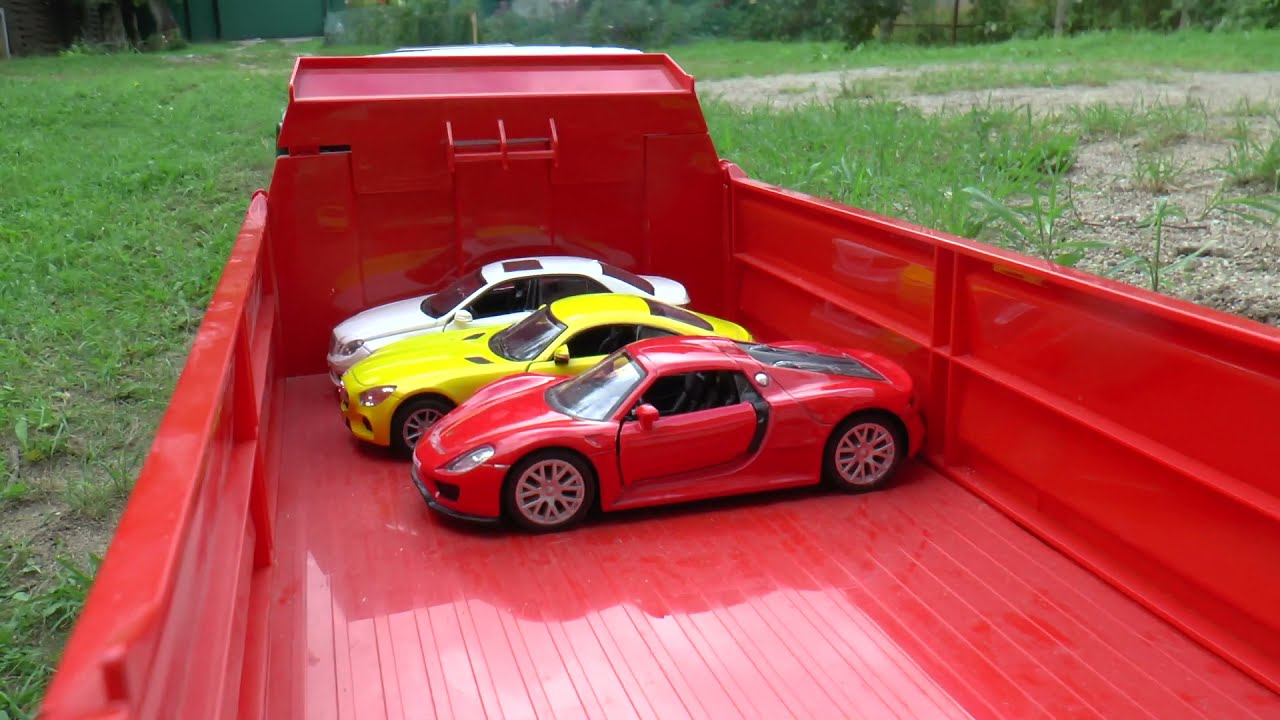Truck and die cast cars transportation