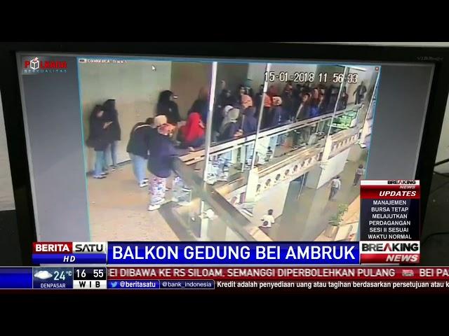 Rekaman CCTV Detik-detik Balkon Gedung BEI Ambruk