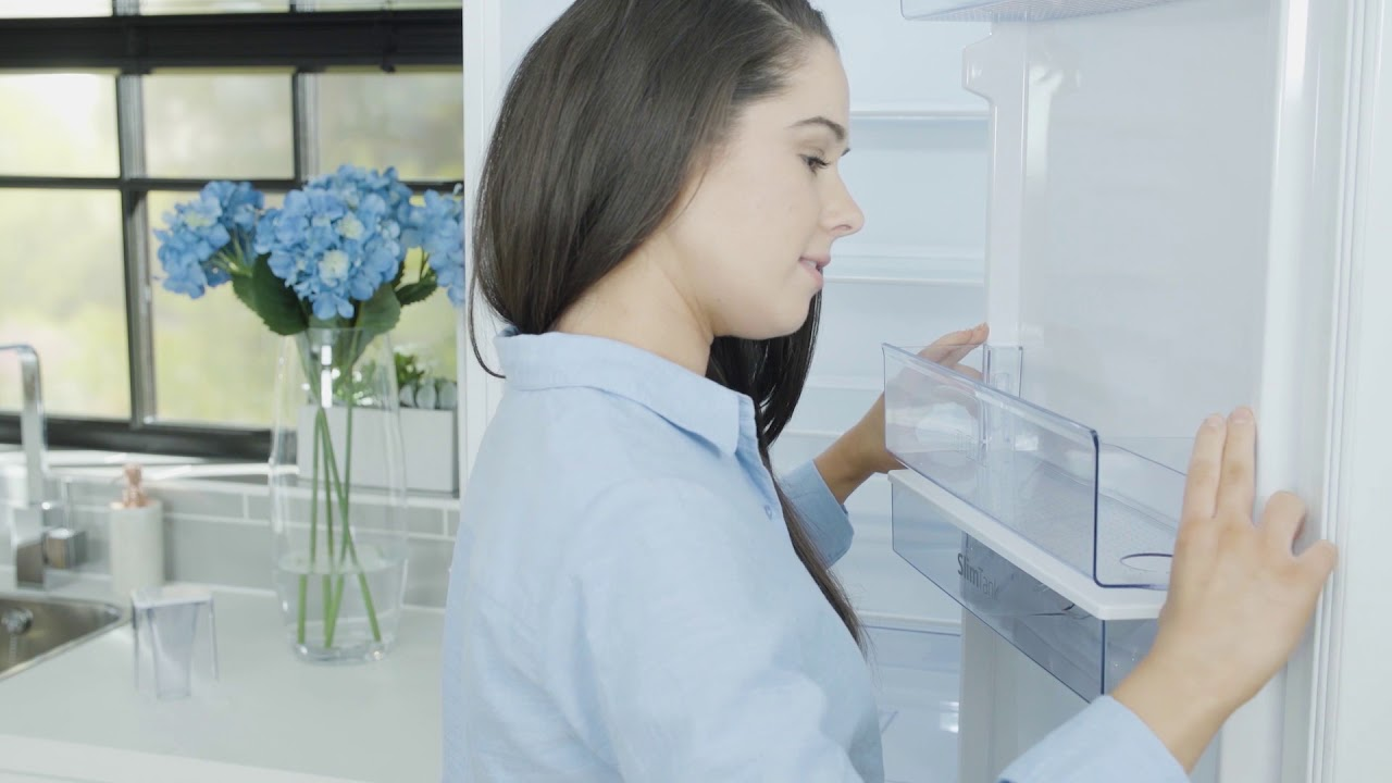 How to remove, clean and re-fit your water dispenser
