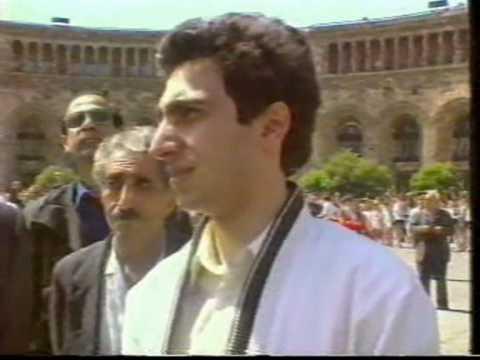 EREVAN : Площадь республики 28 мая 1991 года.wmv