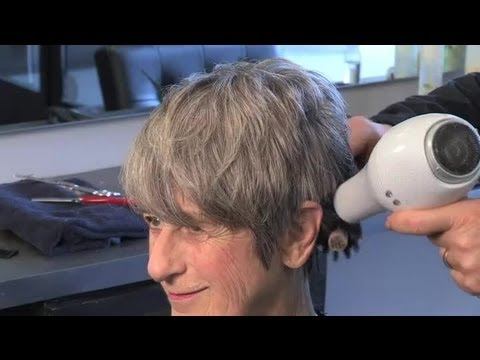 How Do I Style Hair on an Older Woman? : Great Hair Styling Advice