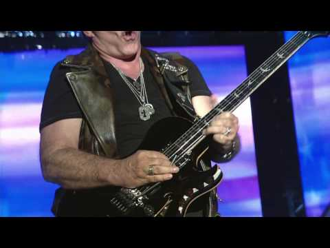 Neal Schon of Journey plays National Anthem