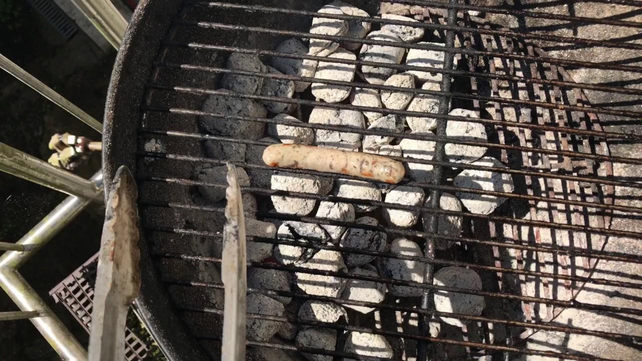 Weber Holzkohlegrill Hitze : Nürnberger rost bratwurst grillen mit weber grill direkte hitze