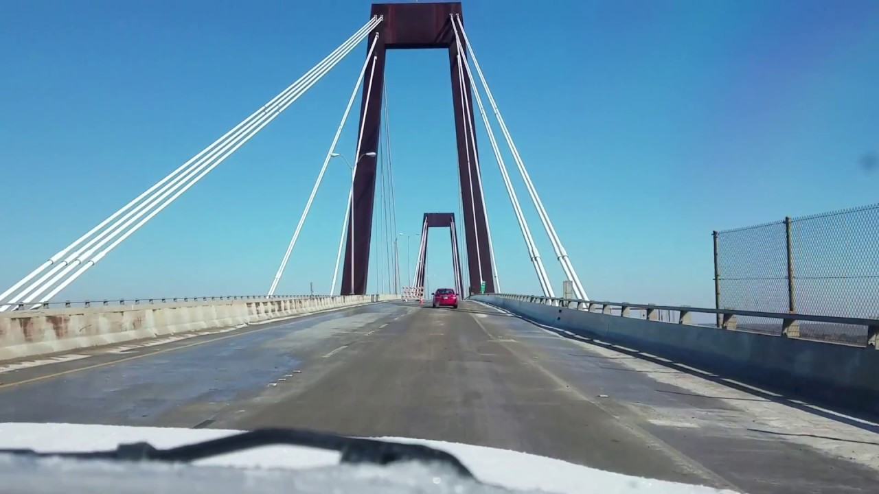 watch-as-cars-trek-across-an-icy-hale-boggs-memorial-bridge
