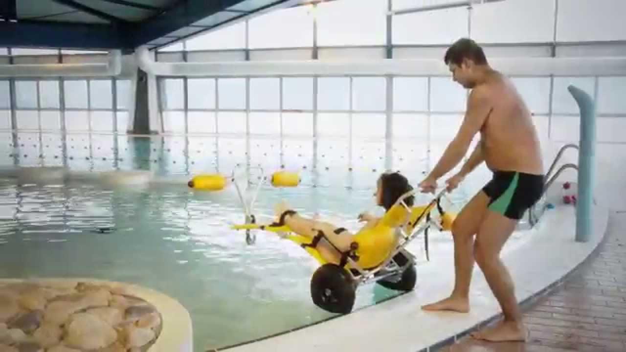 Sofao fauteuil de baignade et d 39 acc s l 39 eau d tente for La piscine translation