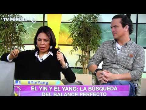Especialistas hablando sobre el Yin y el Yang, la salud, el Buddhismo y la meditación
